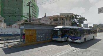 A mudança também envolve o deslocamento da parada de ônibus de embarque e desembarque que fica ao lado do equipamento
