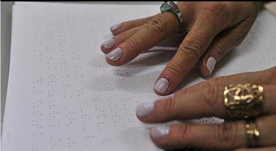 No Brasil, o Inep utiliza o braile para incluir alunos cegos no Enem