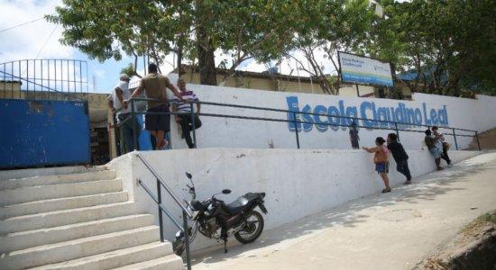 Matrícula em escola municipal de Olinda gera confusão entre pais