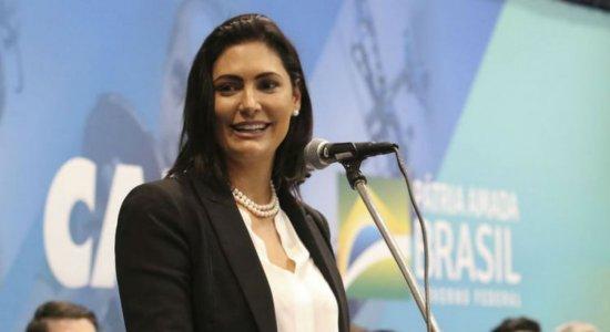 Primeira-dama Michelle Bolsonaro testa positivo para covid-19