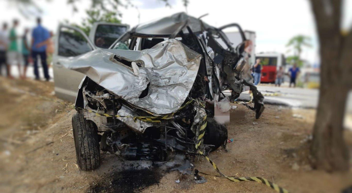 Motorista da caminhonete não resistiu aos ferimentos e morreu