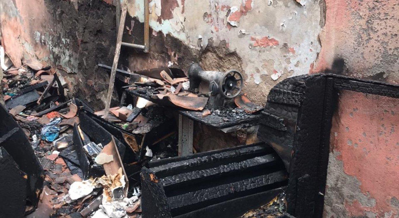 Incêndio deixa casa completamente destruída em Caruaru