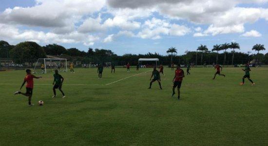 Guto Ferreira esboça equipe titular do Sport