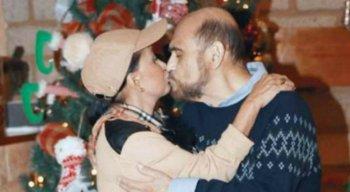 Atores e amigos há mais de 50 anos se beijaram e ela deixou claro: