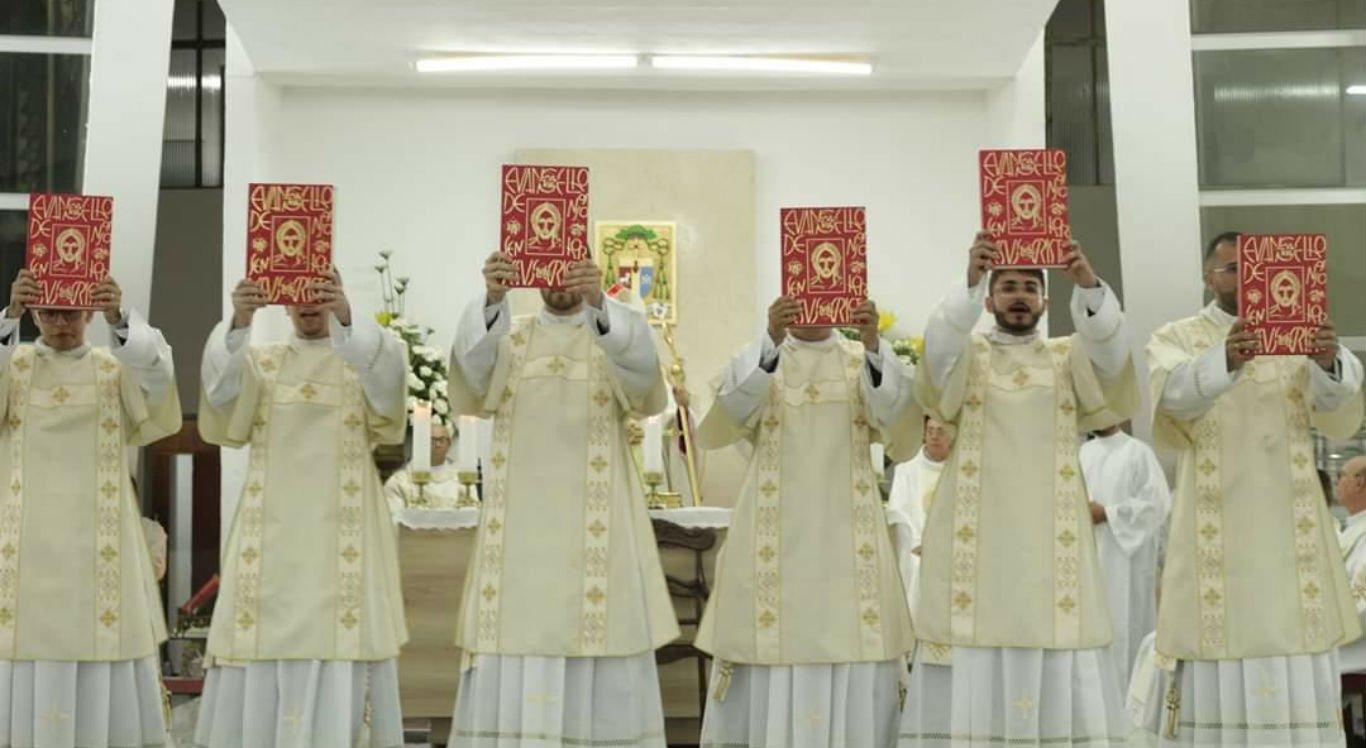 Diáconos foram ordenados