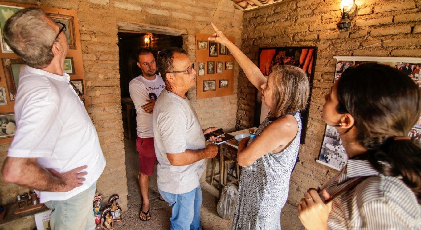 Representantes da Prefeitura de Caruaru e da Fundarpe fazem visita técnica na Casa Museu Mestre Vitalino