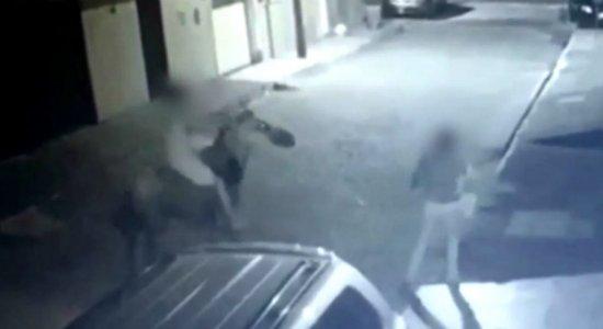 'Cavaleiro do Crime' é flagrado por câmeras em Camaragibe