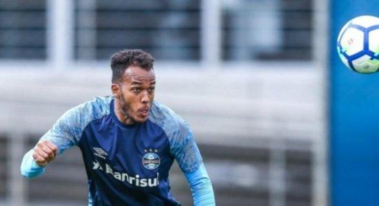 Santa Cruz confirma contratação de zagueiro Denilson, ex-Grêmio