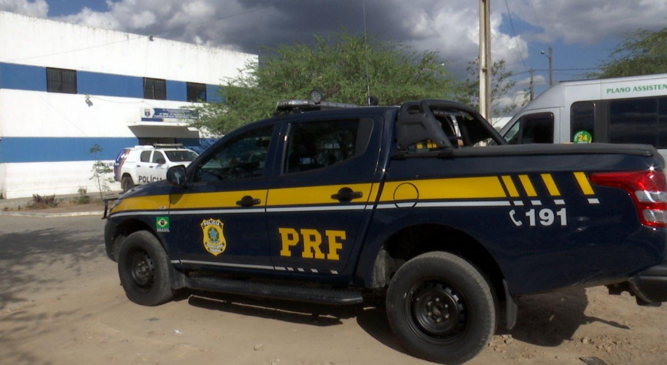 Suspeito foi levado pela PRF para a Delegacia de Plantão