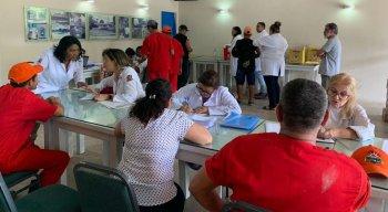 Vacinação contra a febre amarela em condomínio de Aldeia