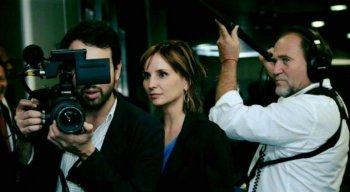Petra Costa é a diretora do documentário Democracia em Vertigem