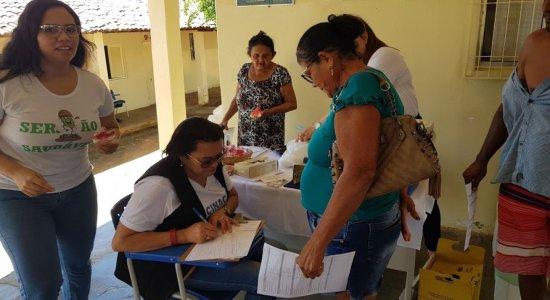 No local, foram ofertados serviços como atendimento médico, odontológico, nutricional e psicológico, além de eletrocardiogramas, vacinação e testes rápidos de sífilis, hepatites e HIV.