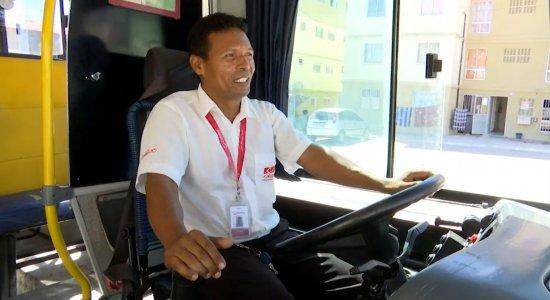 Cícero Santos, 39 anos, trabalha como motorista de ônibus há quase dois anos