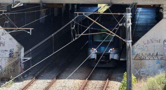 Linhas Centro e Sul do Metrô do Recife funcionam somente pela manhã neste sábado