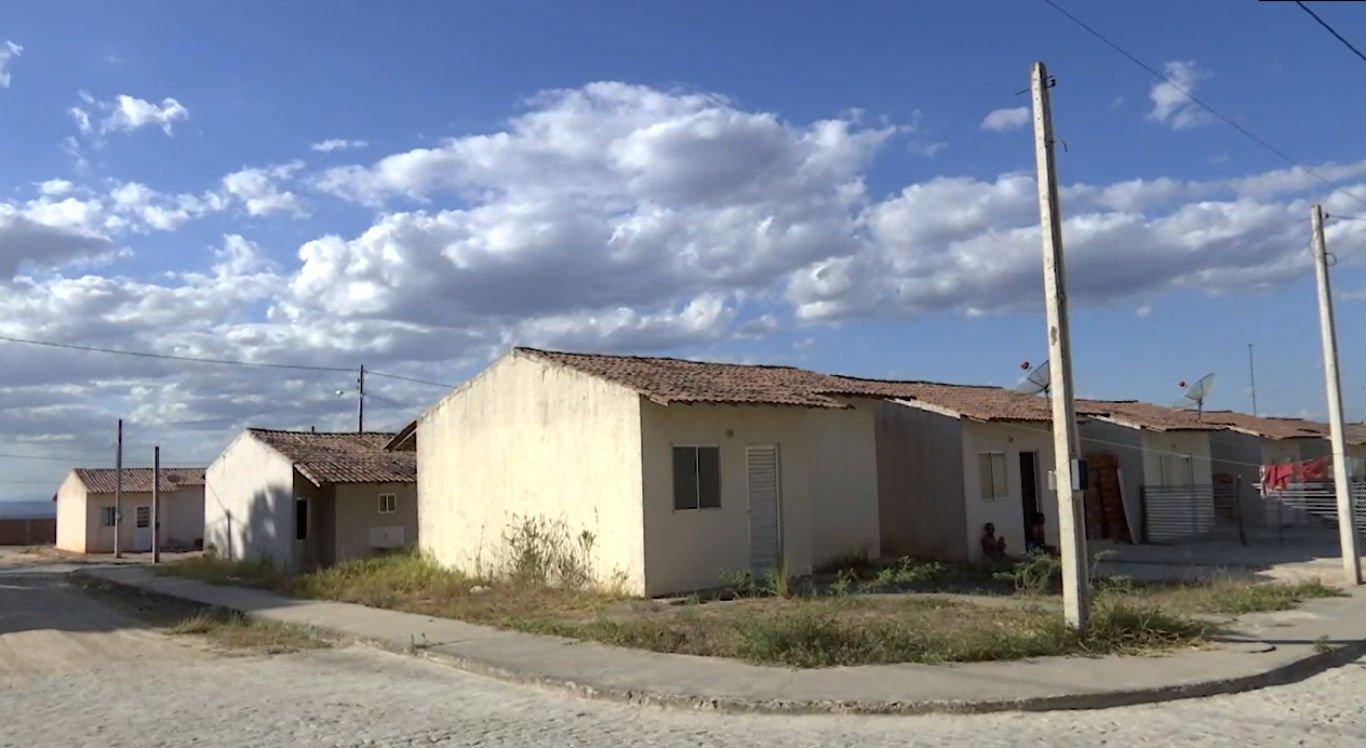 Casas estão se deteriorando em Jurema