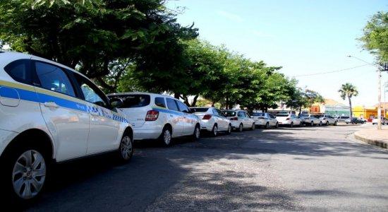 Taxistas podem atender passageiros no Grande Recife sem sofrer punições no carnaval