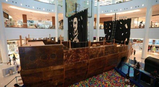 Navio Pirata leva diversão a todas as idades no RioMar Recife