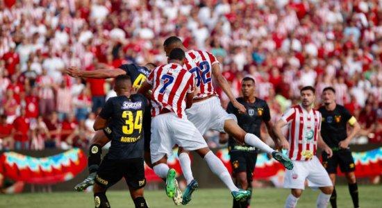 Dois gols contra marcam empate entre Náutico e Sport no Pernambucano