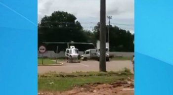 O acidente deixou o helicóptero destruído