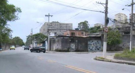 Mulher morre após pular de ônibus durante assalto