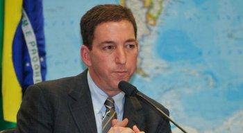 Segundo a denúncia, Greenwald teria auxiliado, orientado e incentivado as atividades criminosas do grupo