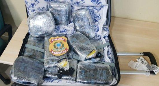 Jovem é presa com 11 tabletes de cocaína no Aeroporto do Recife