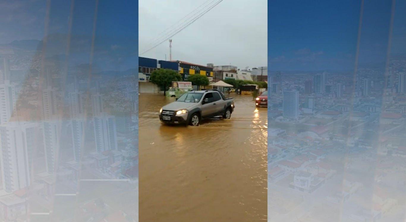 Chuvas provocaram alagamentos em Petrolina