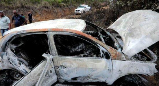 Corpo carbonizado é encontrado dentro de carro na Zona Norte do Recife