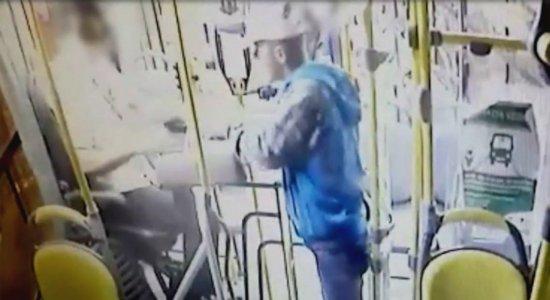 Vídeo: motorista de ônibus é baleado durante assalto em Caruaru