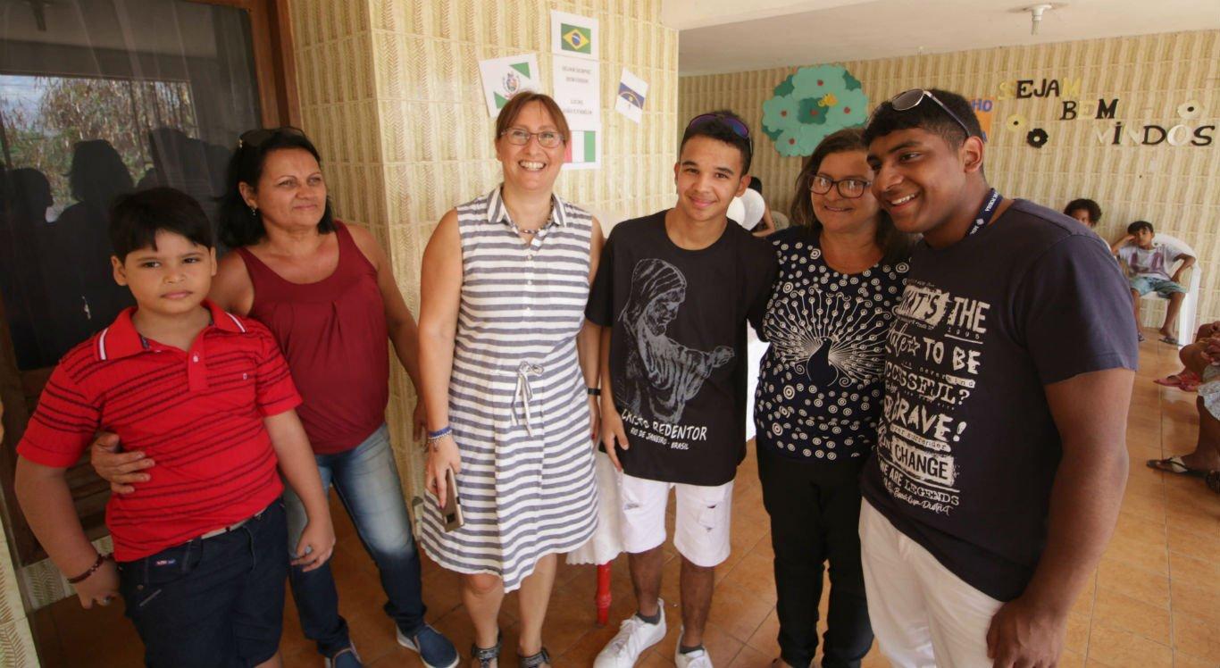 Irmãos fizeram visita à casa de acolhimento onde moraram na infância