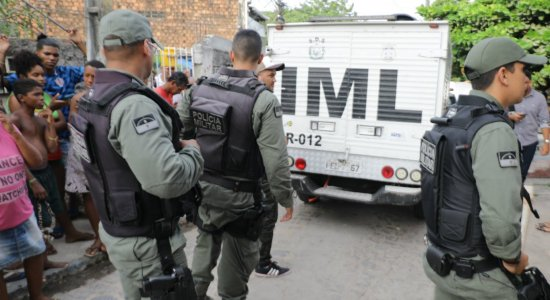 Suspeito de feminicídio contra a esposa em Olinda é preso em flagrante