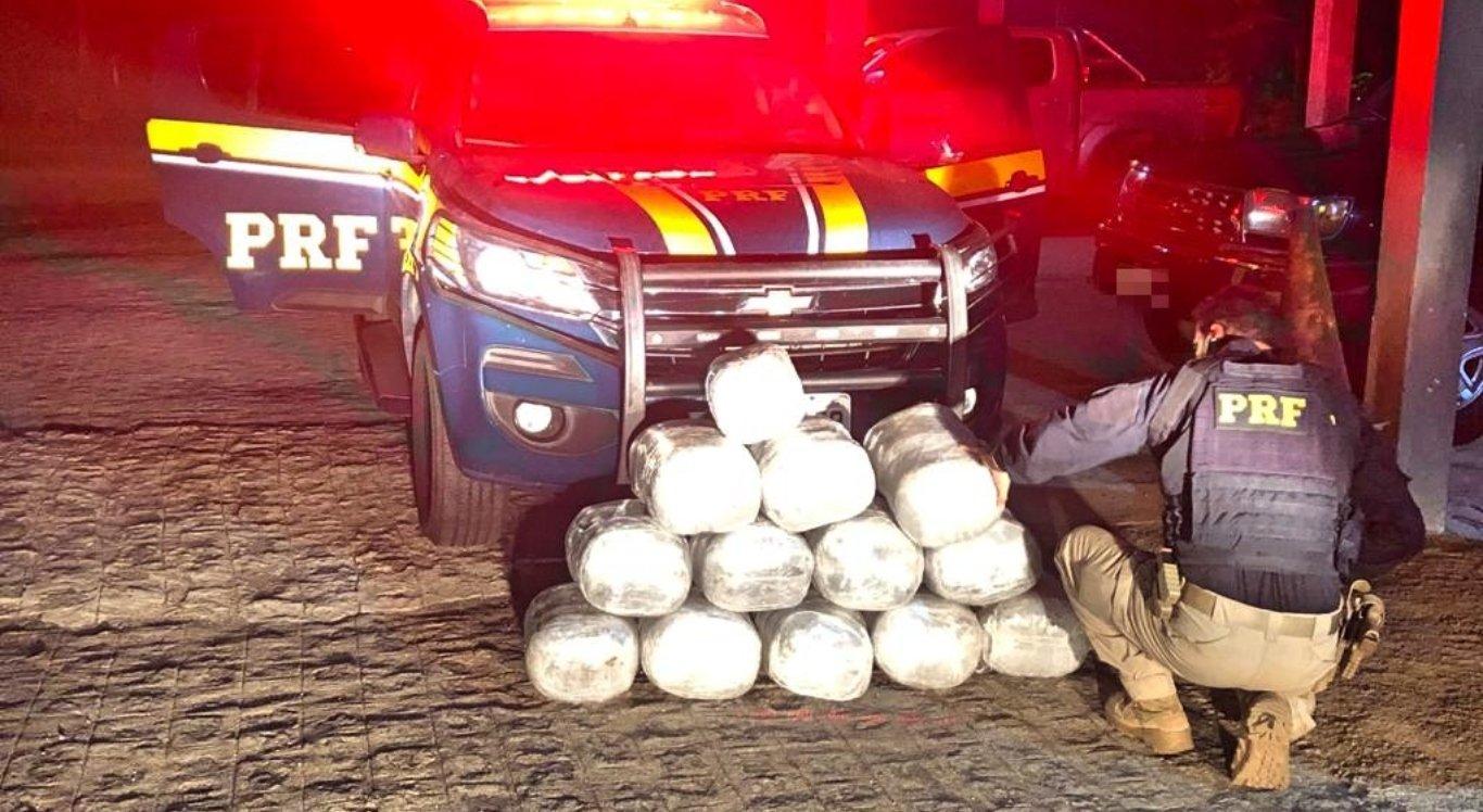 Motoristas de aplicativo são detidos pelo transporte de 65kg de maconha em Gravatá