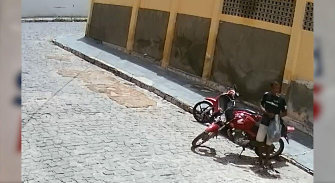 Suspeito furta motocicleta com chave mestra
