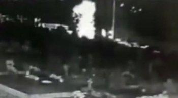 Imagens de câmeras de segurança, datadas do dia 13 de janeiro, flagraram o momento da explosão.