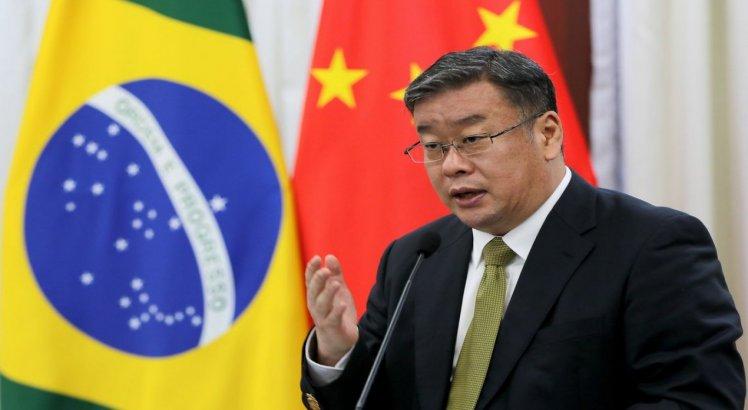 Diplomata chinês garante que os brasileiros, na China, não estão em prisão domiciliar