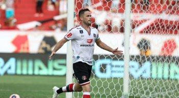 Pipico foi o autor do gol que deu a vitória ao Santa Cruz