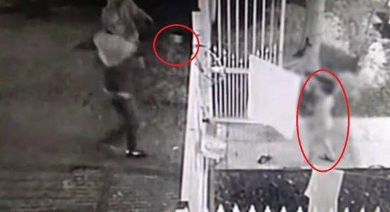Vídeo: criança de cinco anos fica no meio de tiros em tentativa de homicídio
