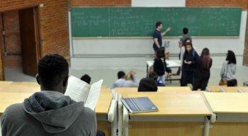 Estudantes têm até 11 de fevereiro para apresentar documentação