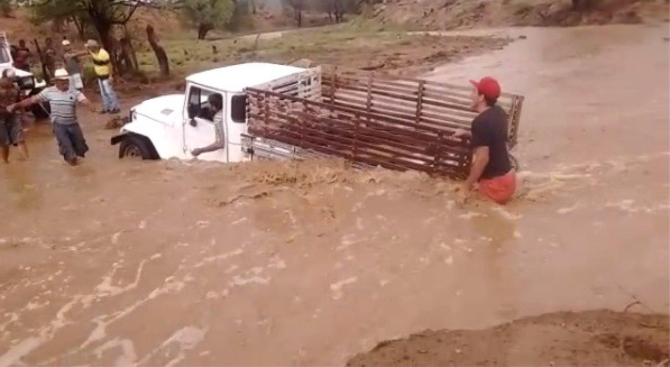 Chuvas causam transtornos no interior de PE