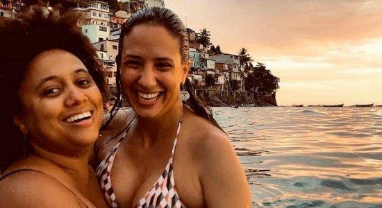 Viúva de Marielle Franco assume noivado com cantora