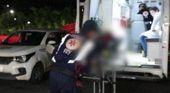 O homem foi agredido pelos enteados com socos, pontapés e pauladas