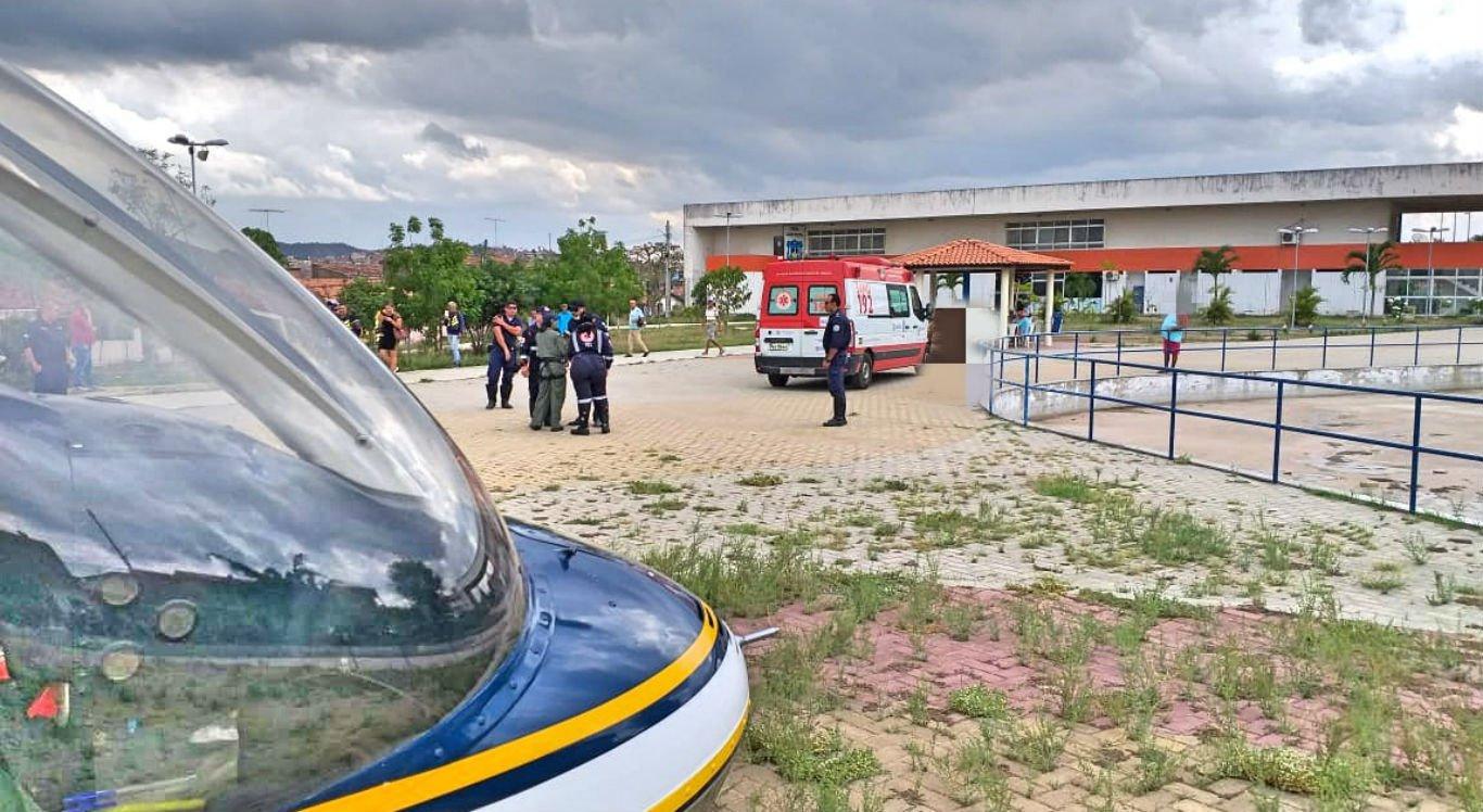 Paciente foi levado de helicóptero de Gravatá para o Recife