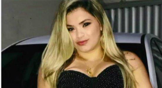 Vítima de feminicídio estava indo embora de casa quando foi morta