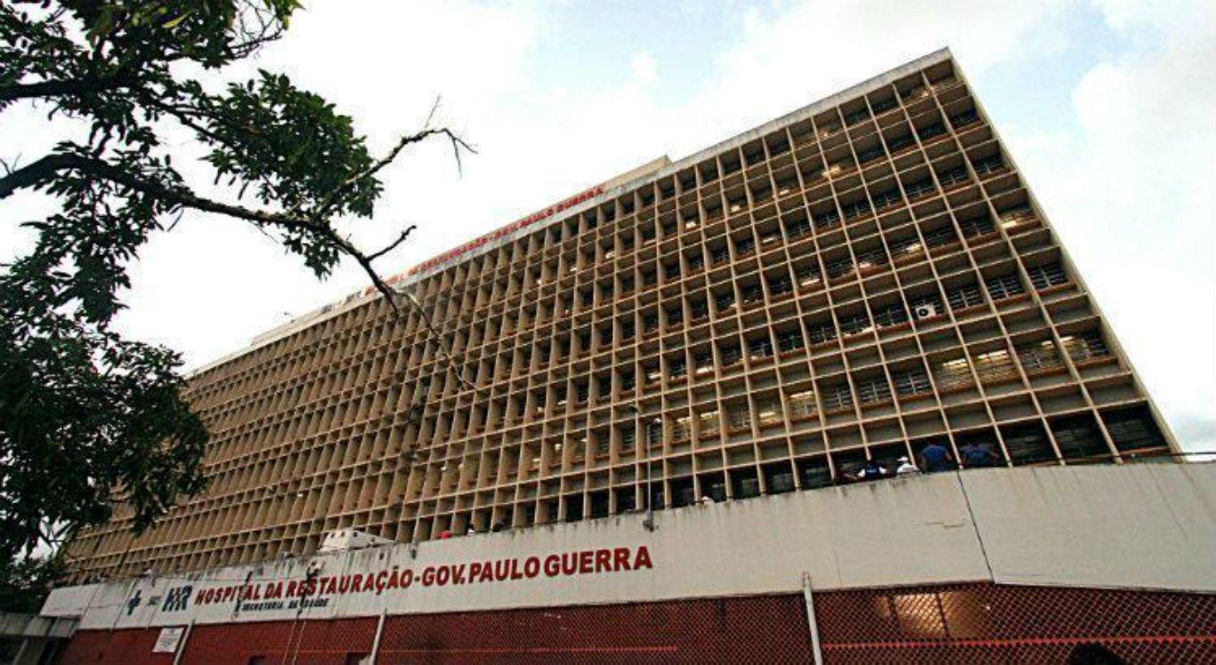 O homem está internado no Hospital da Restauração, área central do Recife