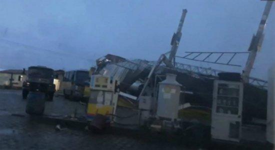 Chuva e ventania causam destruição no Sertão de Pernambuco