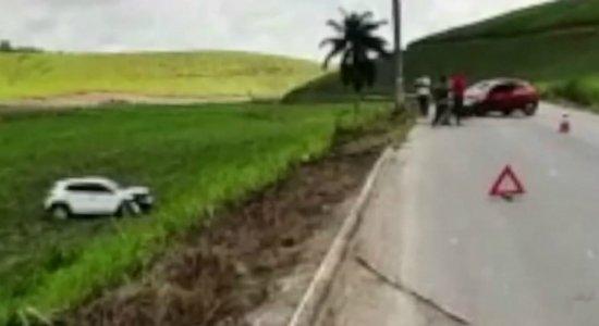 Motorista sofre acidente, vai pedir ajuda e é assaltado em Ipojuca