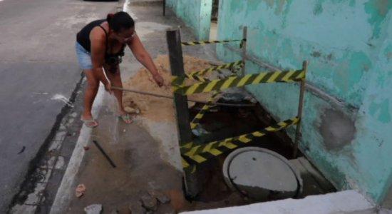 Vazamentos de água limpa deixam população do Grande Recife revoltada