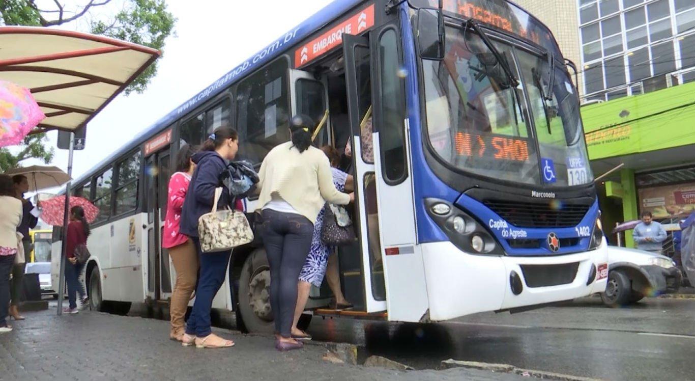 Paradas de ônibus serão alteradas no Carnaval