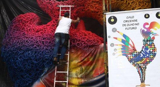 Veja como está a montagem do Galo Gigante para o Carnaval 2020