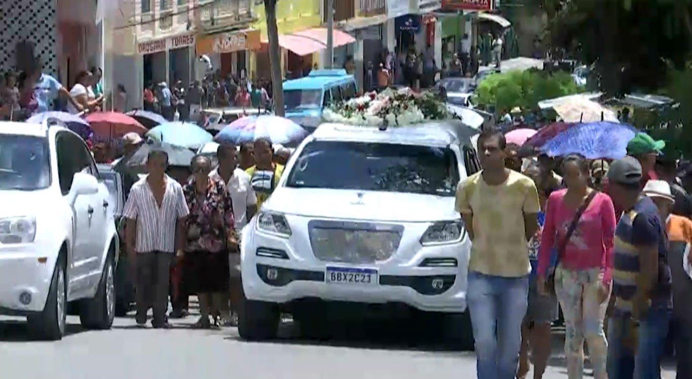 Corpo do vice-prefeito de Canhotinho foi sepultado nesta sexta